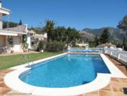 ground floor holiday apartment in Mijas Hills with swimming pool and wi-fi