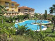 Impeccable apartment in El Higueron with terrace, communal pool and wi-fi